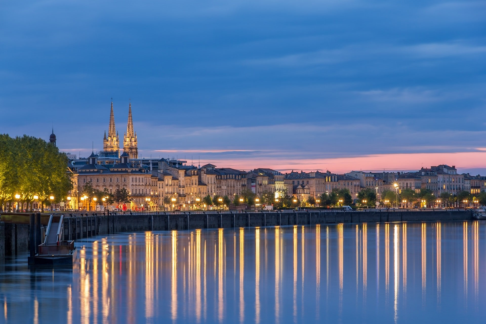 Bordeaux-France-Night