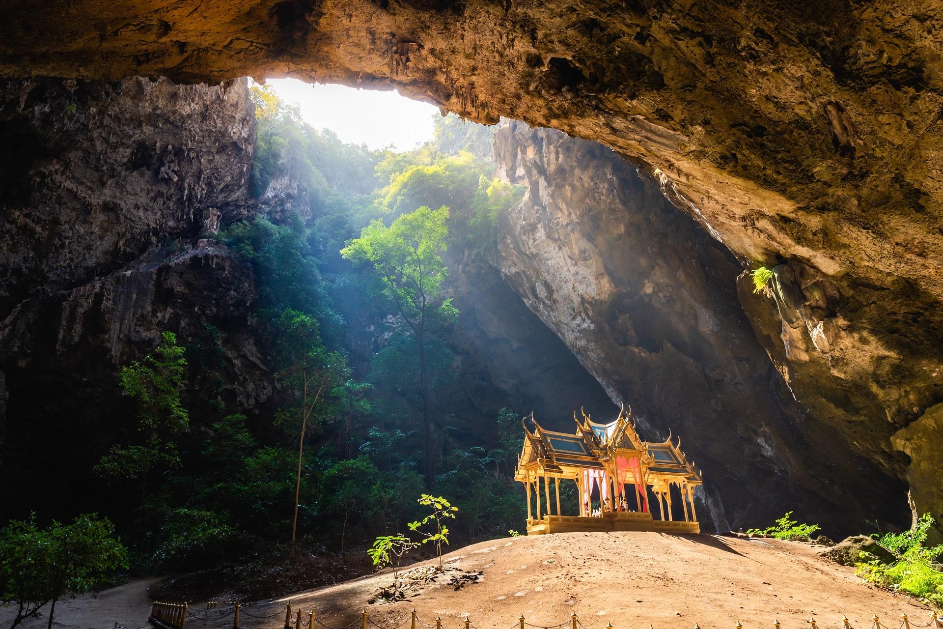 Hua-Hin-Cave
