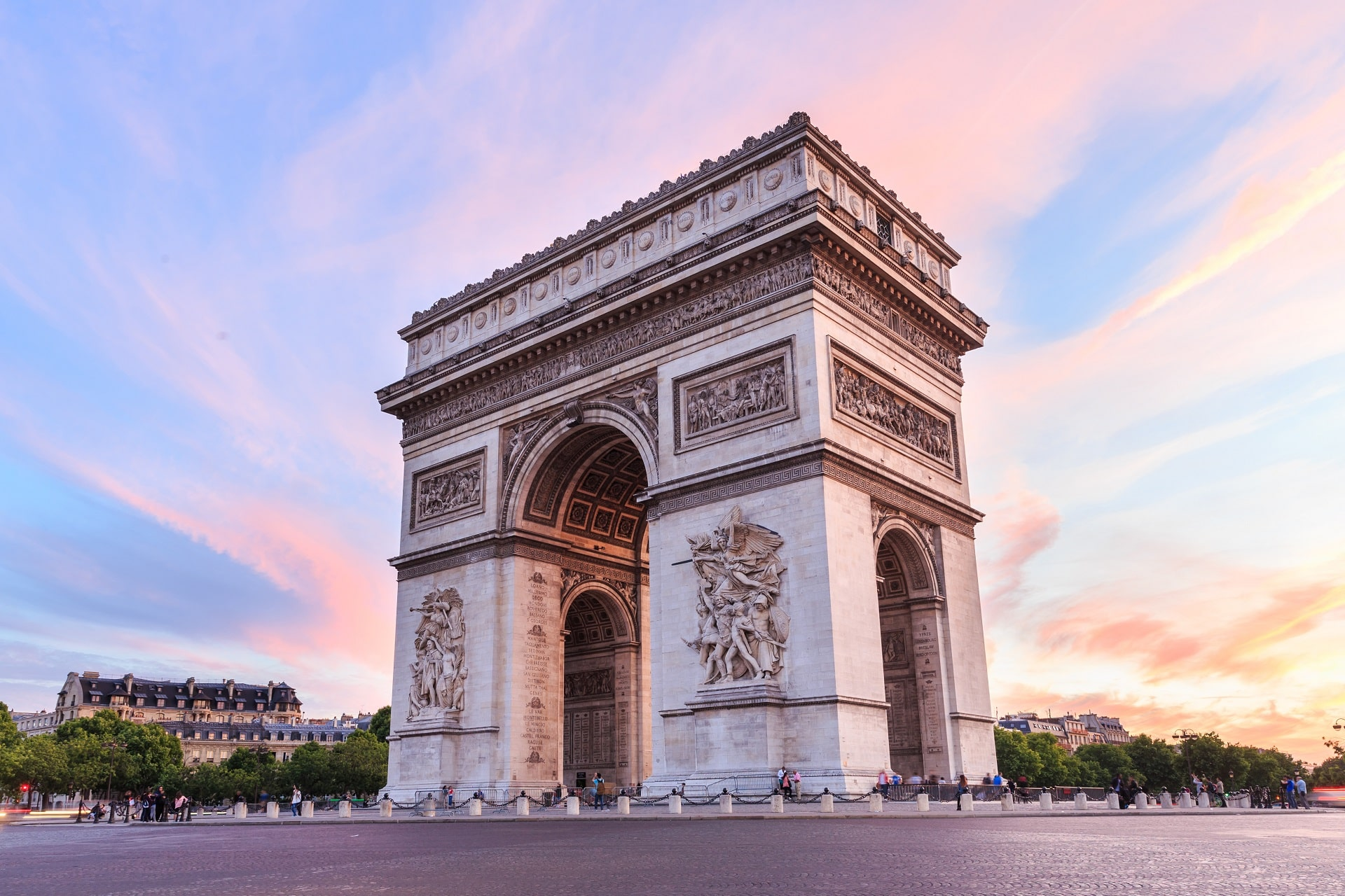 Paris-Arc-de-Triomphe-France