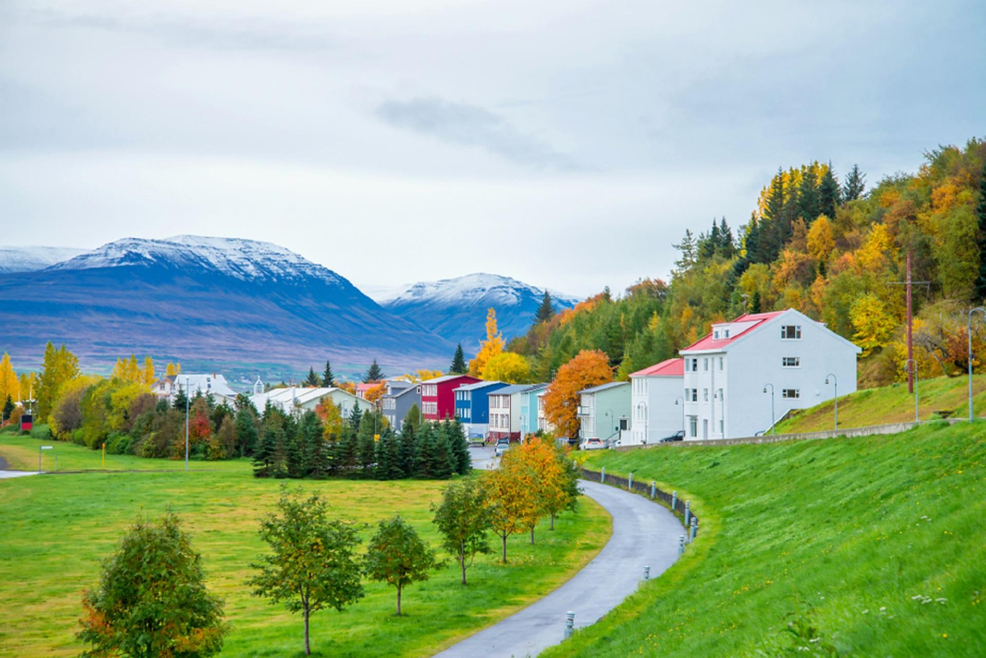 Akureyri, Iceland_1224252817