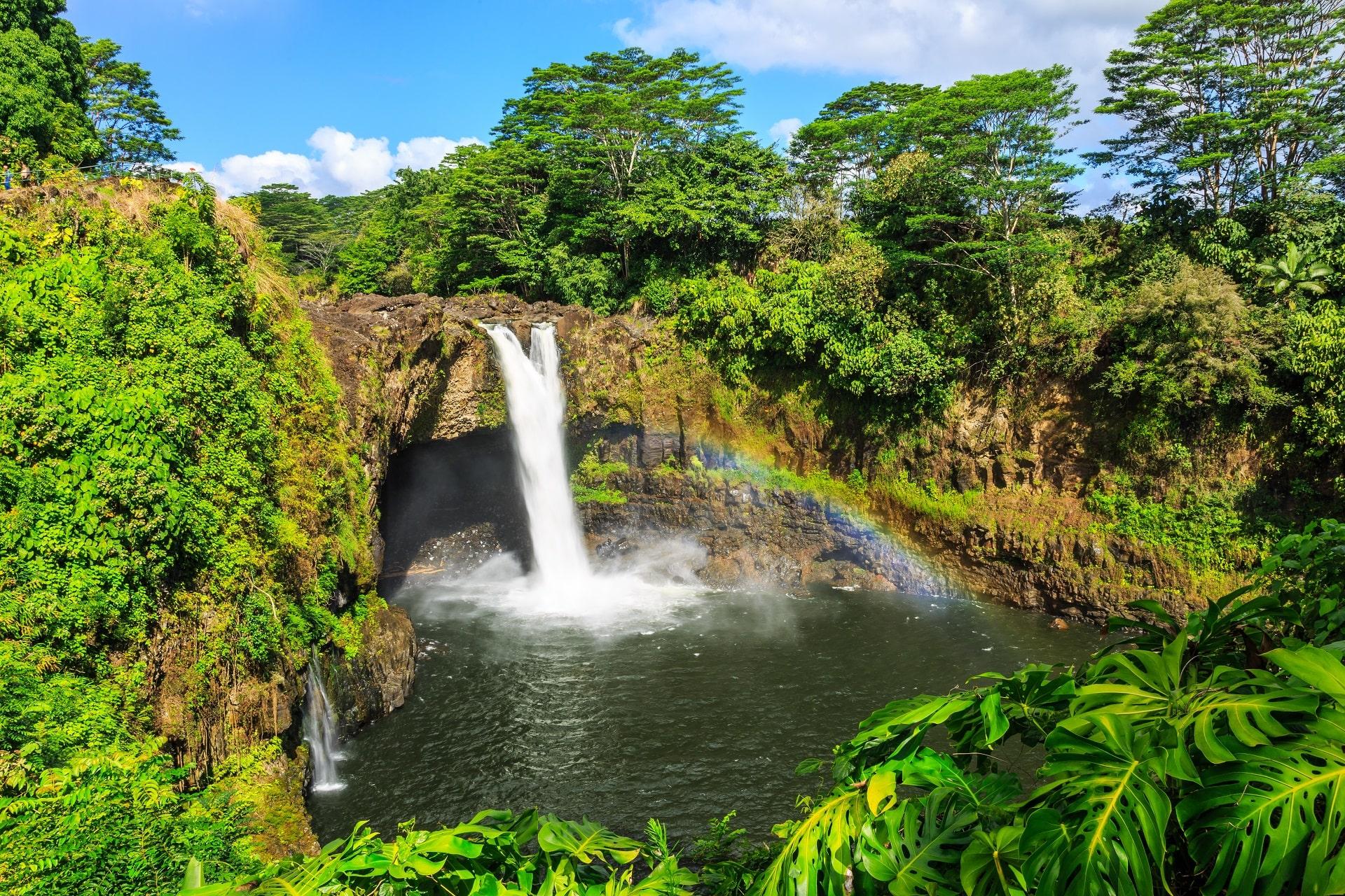 Hilo-Waterfall-Hawaii
