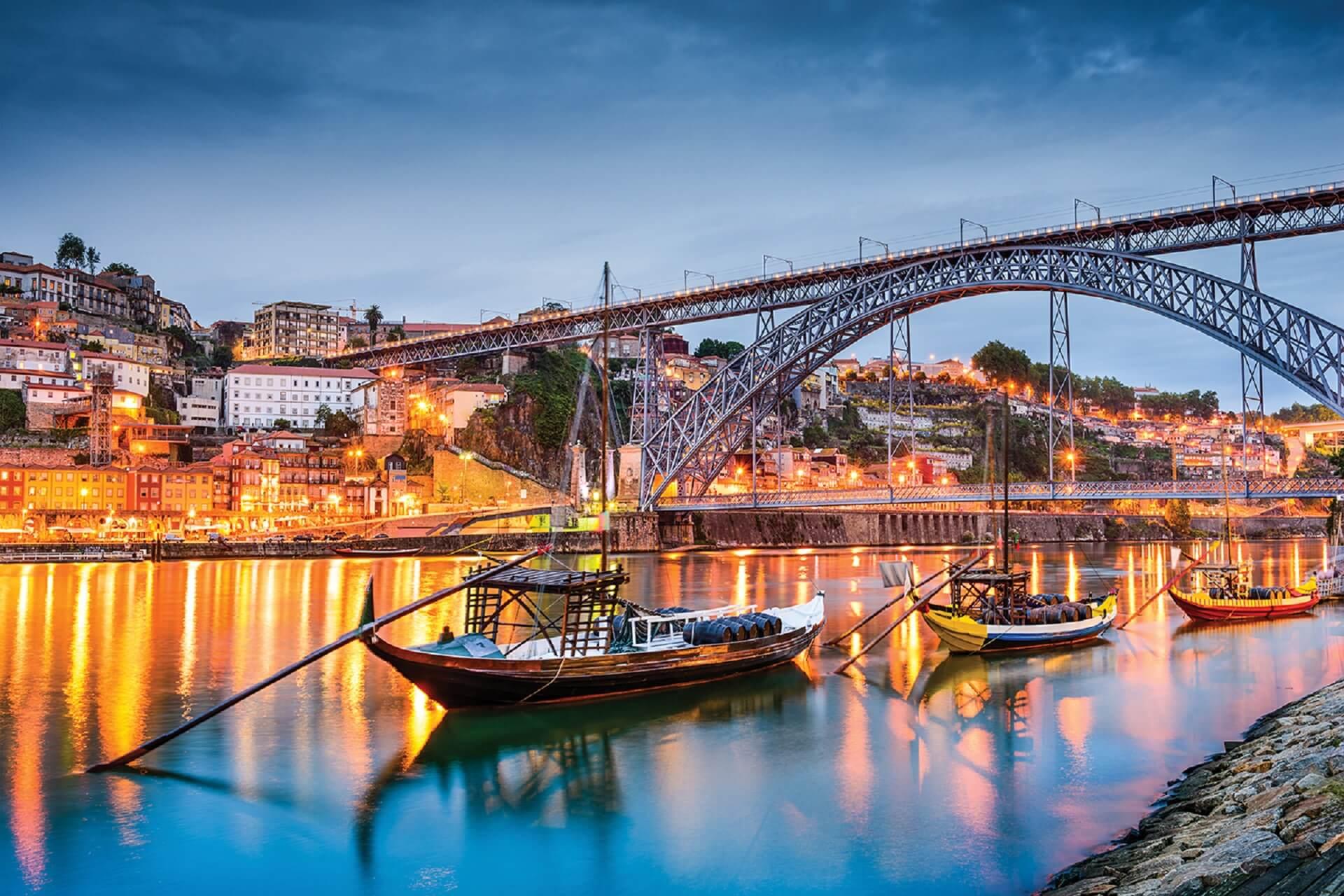 Oporto, Portugal _270312668