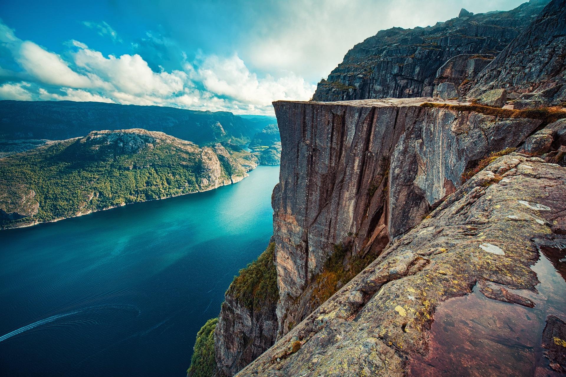 Lysefjord_647002174-min