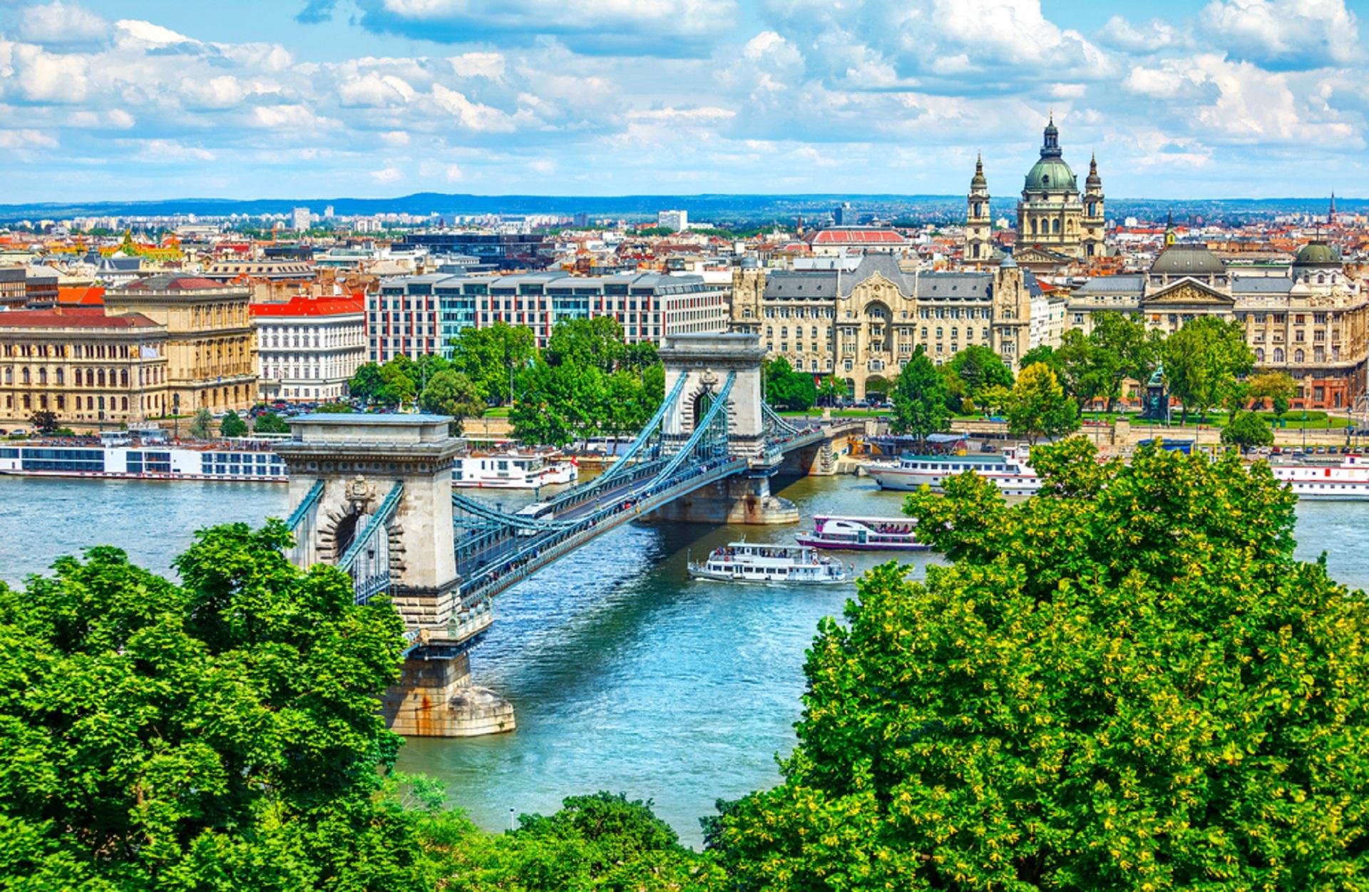 Budapest, Hungary_562412311